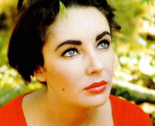 6eaa3146d Os olhos de Elizabeth Taylor eram violetas?