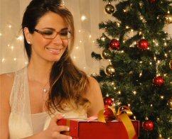 Luciana Gimenez lança coleção de óculos com exclusividade pelas ... ca34b71d57