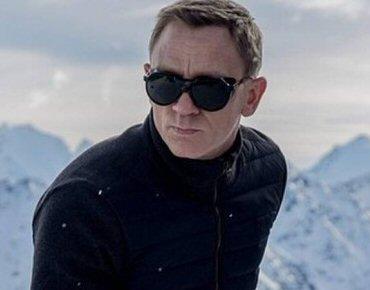 258f9a7c7116c Óculos Vuarnet cobrem olhos de James Bond buscando ressurgir