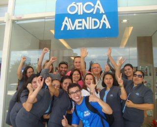 ec2aa8856748b Crédito da Foto  Reabertura da Óptica Avenida em Vieiralves