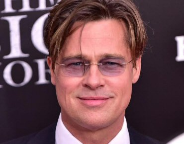 877576401400e Brad Pitt usa o Titan Minimal Art da Silhouette