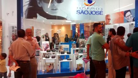 A Rede Super Ótica São José inaugura no Riomar Shopping Aracaju - Sergipe c6ba582da0