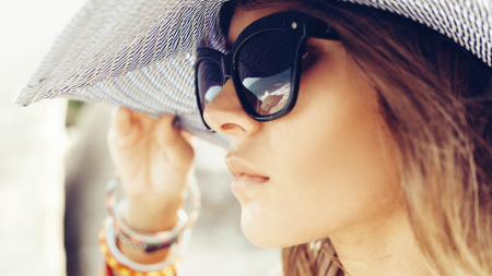 58e2f8865b5a3 Óculos se transformam em um item de moda para os fashionistas