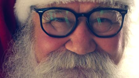 bb4c1332d Óticas Carol oferece óculos gratuitos para Papais Noéis de todo o Brasil