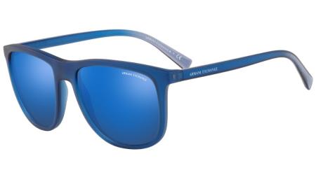 6bddcd34c Tendências para o verão 2019: aposte em óculos com lentes coloridas,  armações neon, transparente e retrô